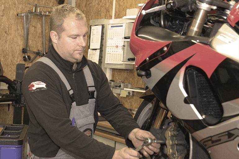 Leistungen Motorrad Reifenmontage 2