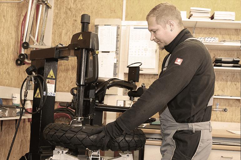 Leistungen Motorrad Reifenmontage 3